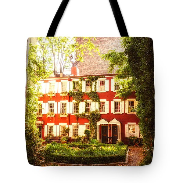 New York City - Charming Townhouses Tote Bag