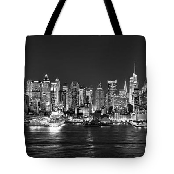 New York City Nyc Skyline Midtown Manhattan At Night Black And White Tote Bag