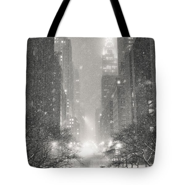 New York City - Winter Night Overlooking The Chrysler Building Tote Bag