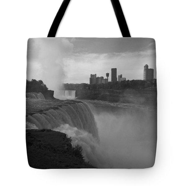 Niagara Falls - Autumn - B N W Tote Bag
