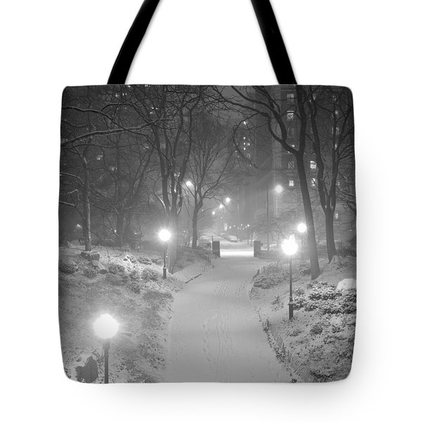 Night Storm New York Tote Bag