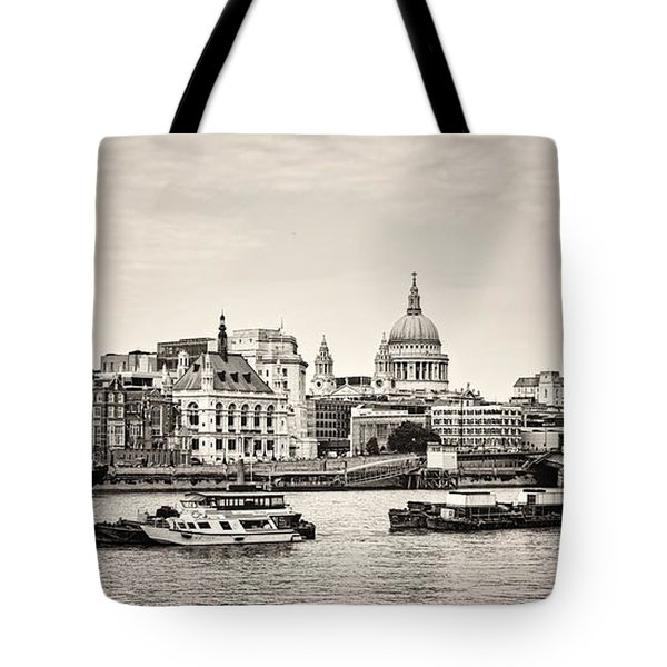 North Side Of The Thames Bw Tote Bag