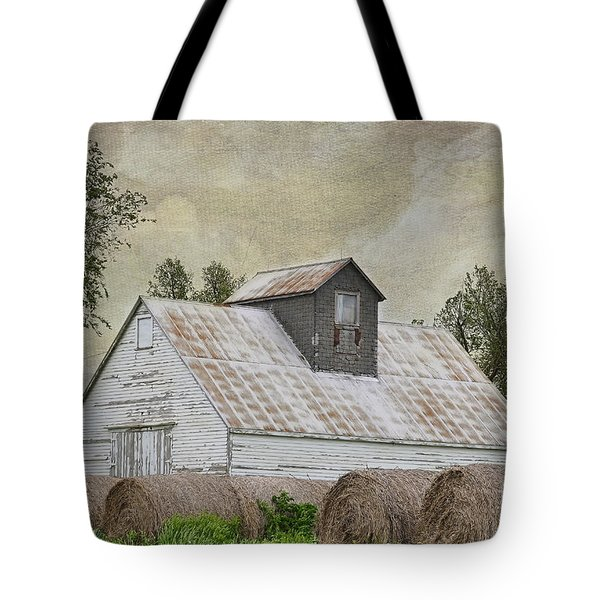 Tote Bag featuring the photograph Nortonville Kansas by Liane Wright