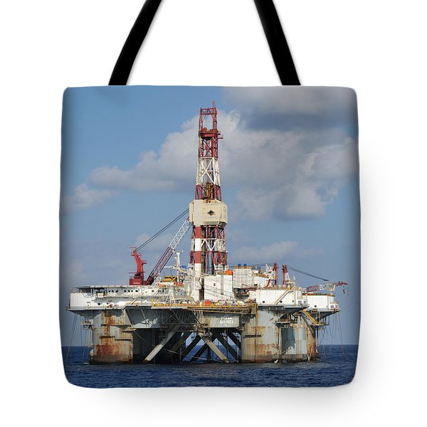 Tote Bag featuring the photograph Ocean America by Bradford Martin