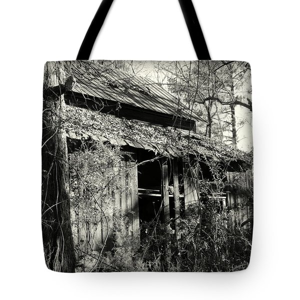 Tote Bag featuring the photograph Old Barn In Black And White by Lisa Wooten