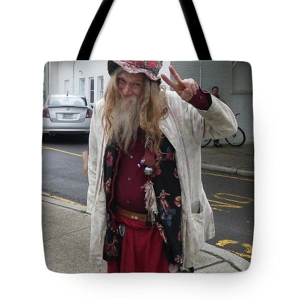 Tote Bag featuring the photograph Old Hippie In Woodstock Ny  by Anna Ruzsan