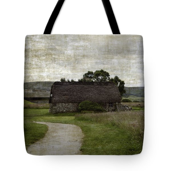 Old House In Culloden Battlefield Tote Bag by RicardMN Photography