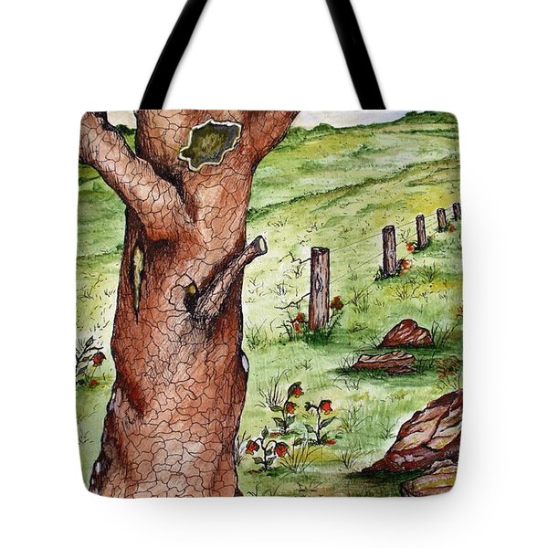 Old Oak Tree With Birds' Nest Tote Bag