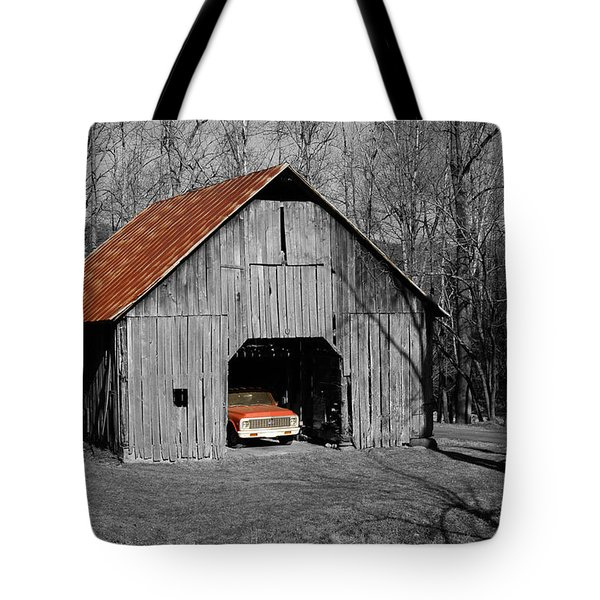 Old Rusty Barn  Tote Bag by Donald Williams
