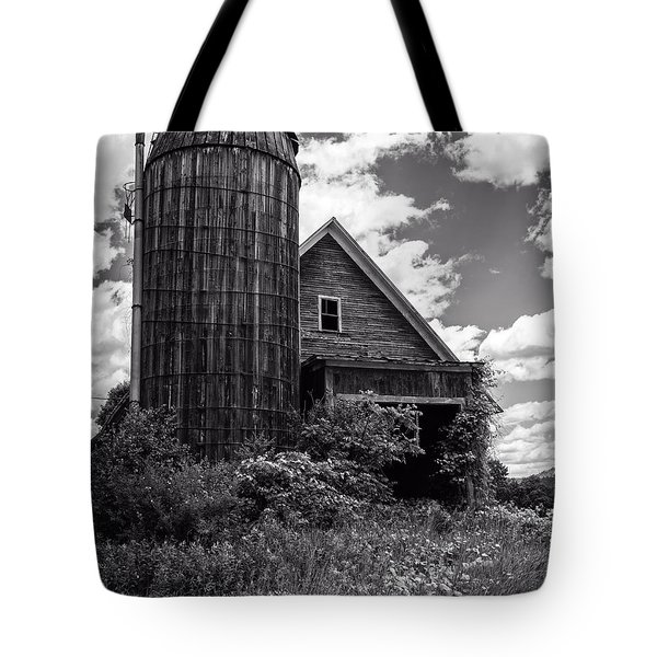 Old Vermont Barn And Silo Tote Bag