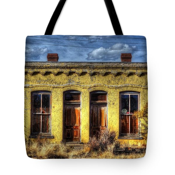 Tote Bag featuring the photograph Old Yellow House In Buena Vista by Lanita Williams