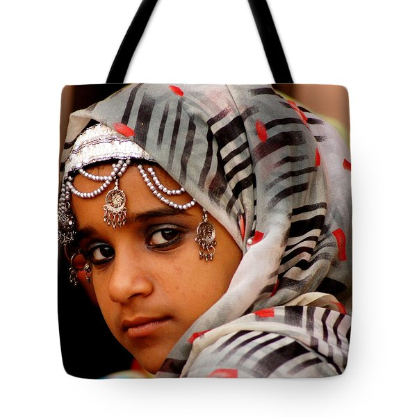 Omani Girl Tote Bag