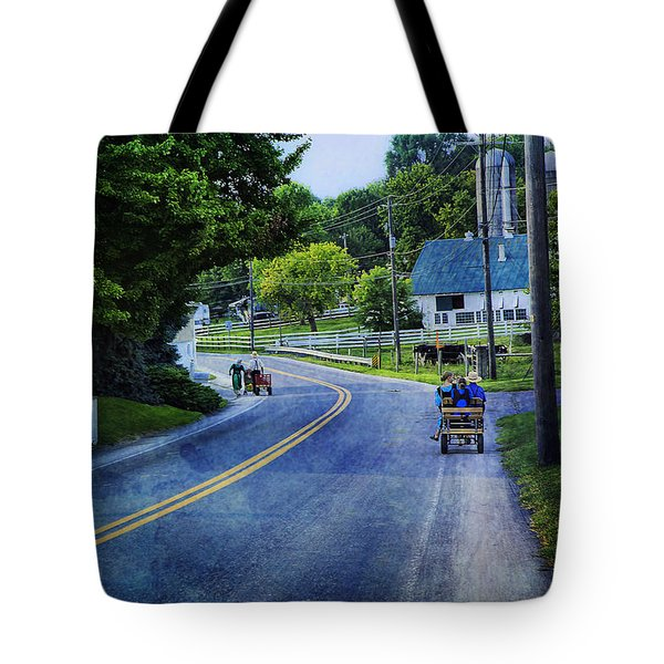 On A Country Road - Lancaster - Pennsylvania Tote Bag
