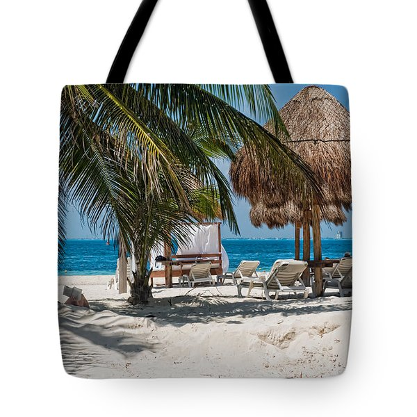White Sandy Beach In Isla Mujeres Tote Bag