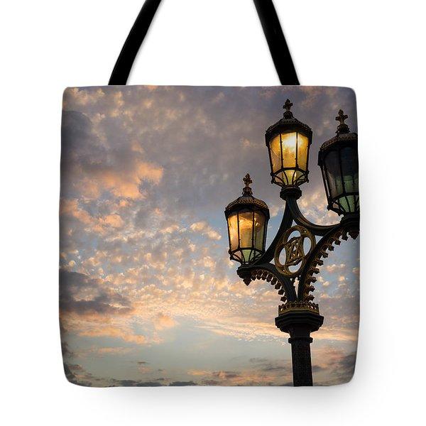 One Light Out - Westminster Bridge Streetlights - River Thames In London Uk Tote Bag