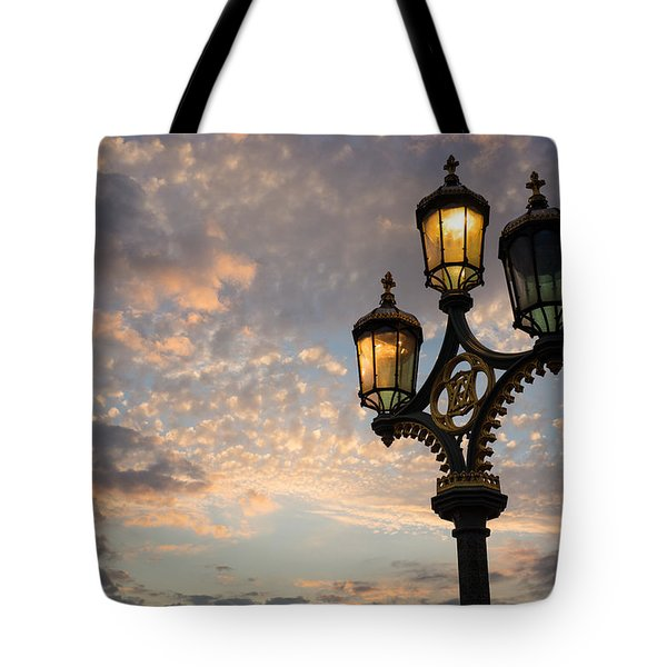 One Light Out - Westminster Bridge Streetlights - River Thames In London Uk Tote Bag