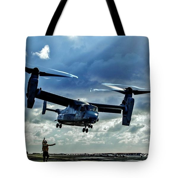 Osprey Approach Tote Bag by Benjamin Yeager