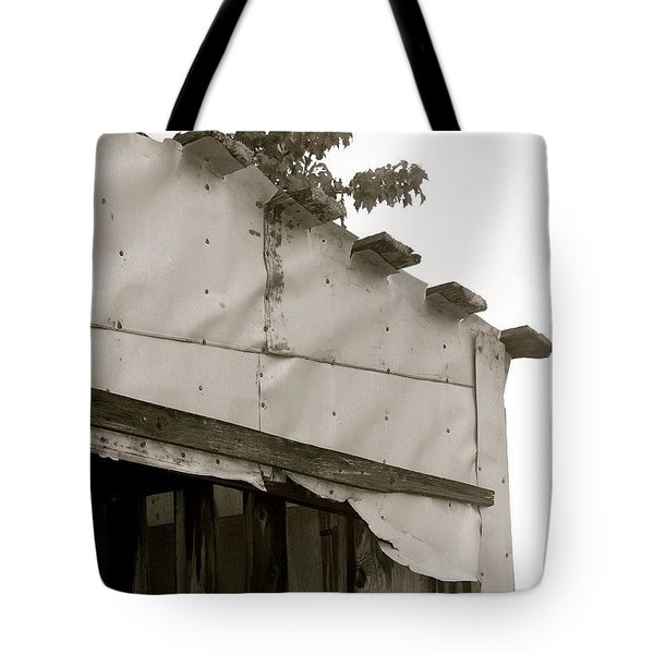 Outbuilding Bw Tote Bag