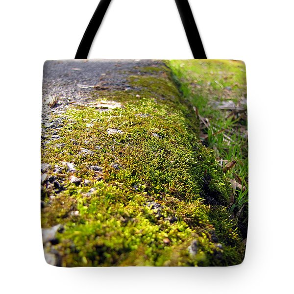 Tote Bag featuring the photograph Overtaking by Greg Simmons