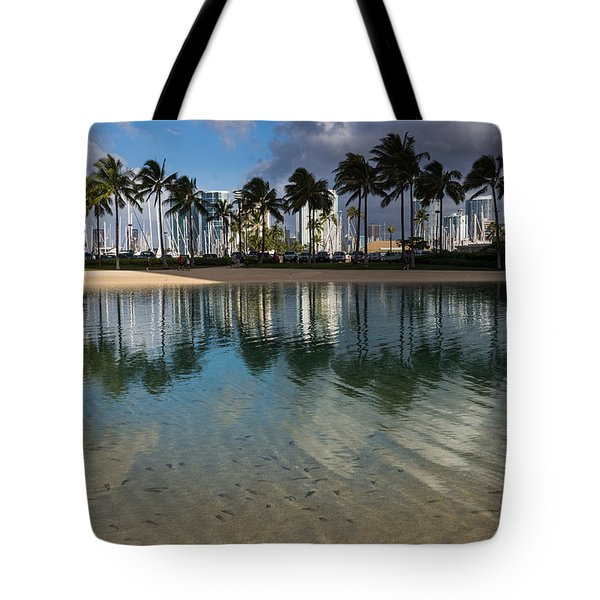 Palm Trees Crystal Clear Lagoon Water And Tropical Fish Tote Bag
