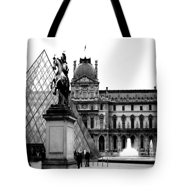 Paris Black And White Photography - Louvre Museum Pyramid Black White Architecture Landmark Tote Bag by Kathy Fornal