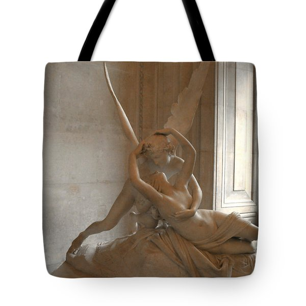 Paris Eros Psyche Sculpture - Eros And Psyche Romantic Lovers Monument At Louvre Tote Bag