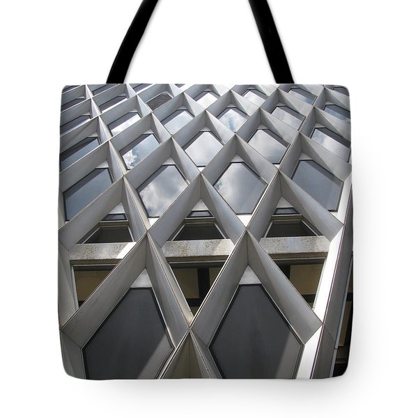 Tote Bag featuring the photograph Pattern In Architecture by Alfred Ng
