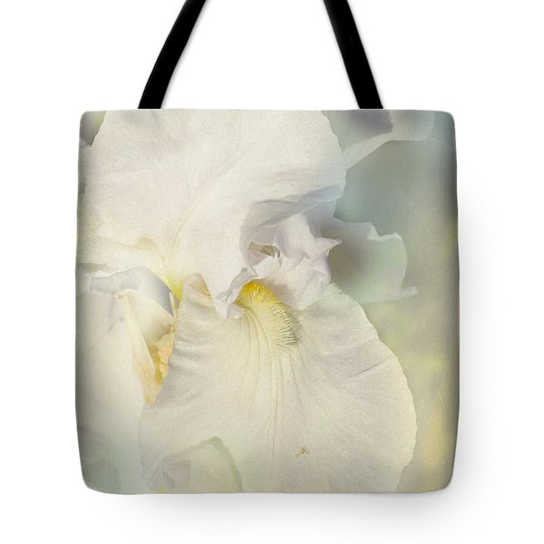 Tote Bag featuring the photograph Pearl by Elaine Teague