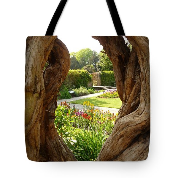 Tote Bag featuring the photograph Peek At The Garden by Vicki Spindler