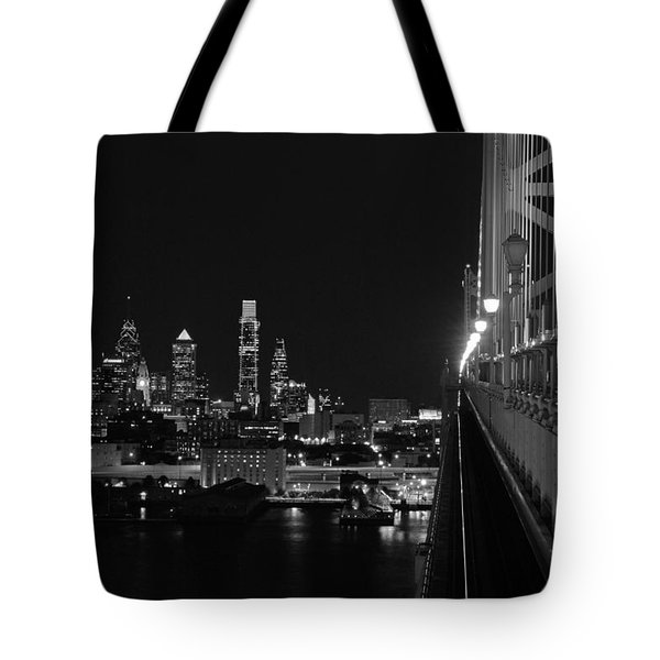 Philadelphia Night B/w Tote Bag