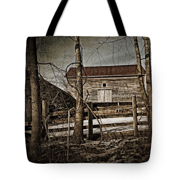 Country Barn Photograph Tote Bag