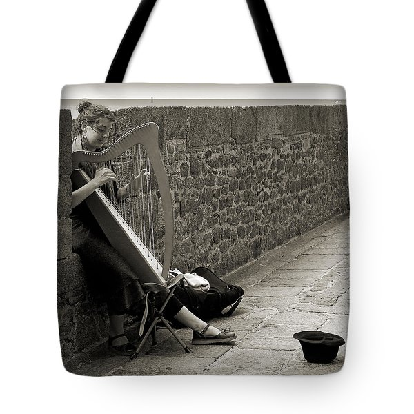 Playing The Celtic Harp Tote Bag by RicardMN Photography