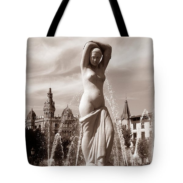 Plaza Cataluna Tote Bag