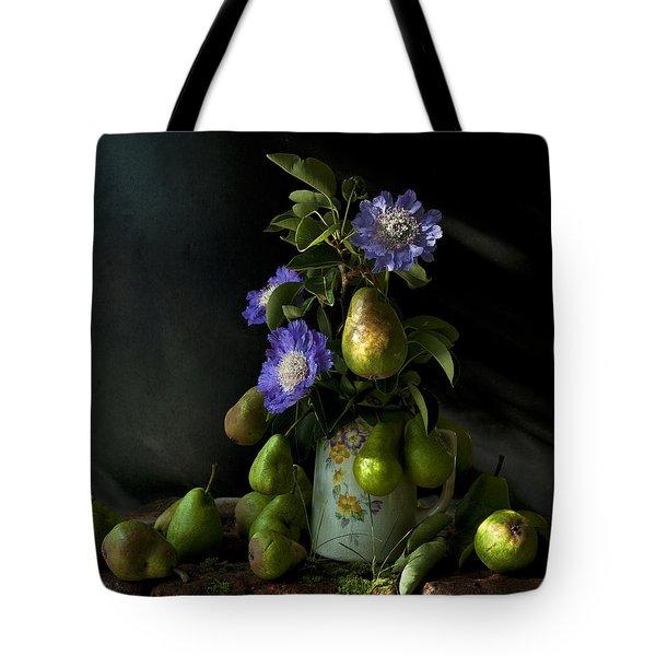Poires Et Fleurs Tote Bag