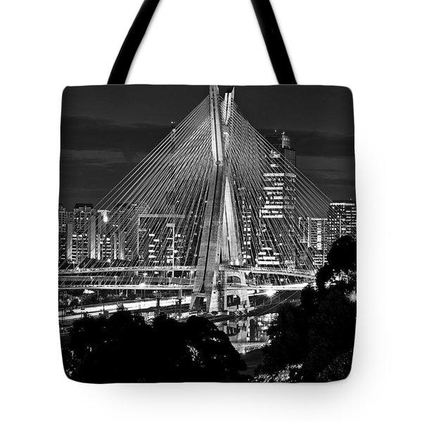 Sao Paulo - Ponte Octavio Frias De Oliveira By Night In Black And White Tote Bag
