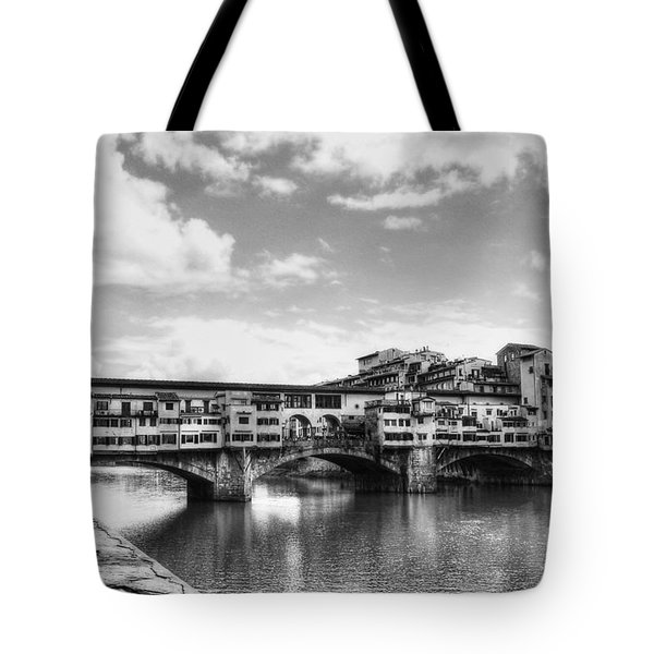 Ponte Vecchio At Florence Italy Bw Tote Bag
