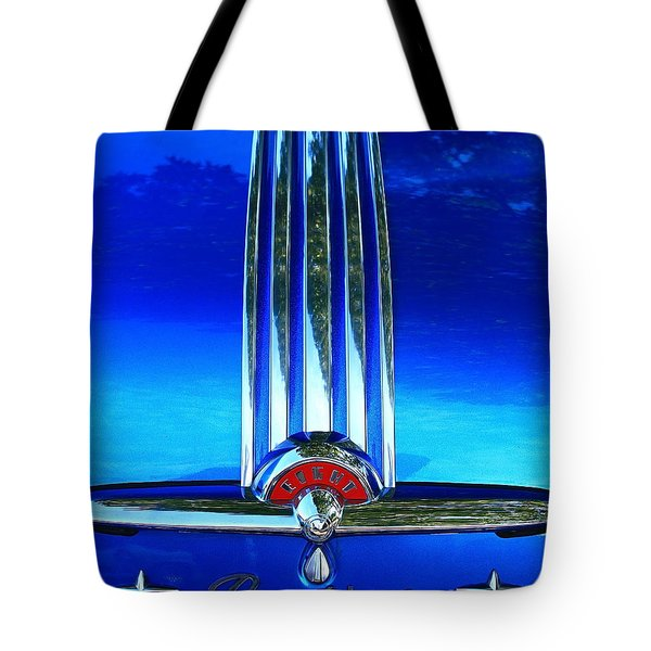 Tote Bag featuring the photograph Pontiac Eight by Linda Bianic