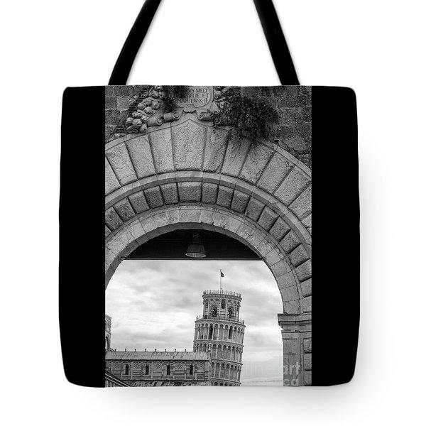 Porta Di Pisa Tote Bag