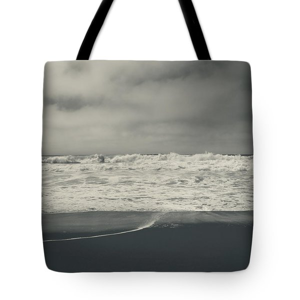 Pulling Me In Tote Bag by Laurie Search