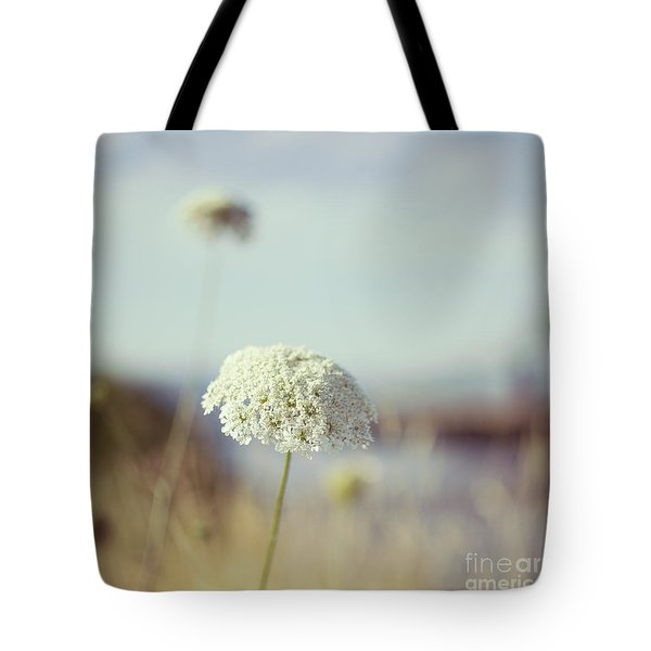 Queen Anne's Lace - Hipster Photo Square Tote Bag