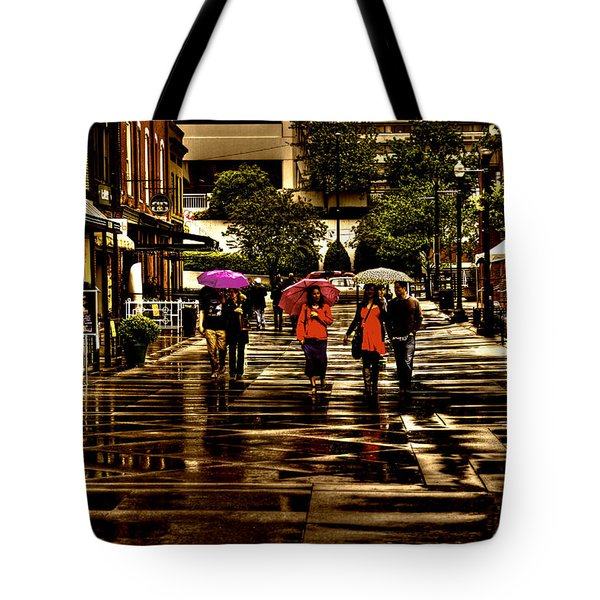 Rain In Market Square - Knoxville Tennessee Tote Bag by David Patterson