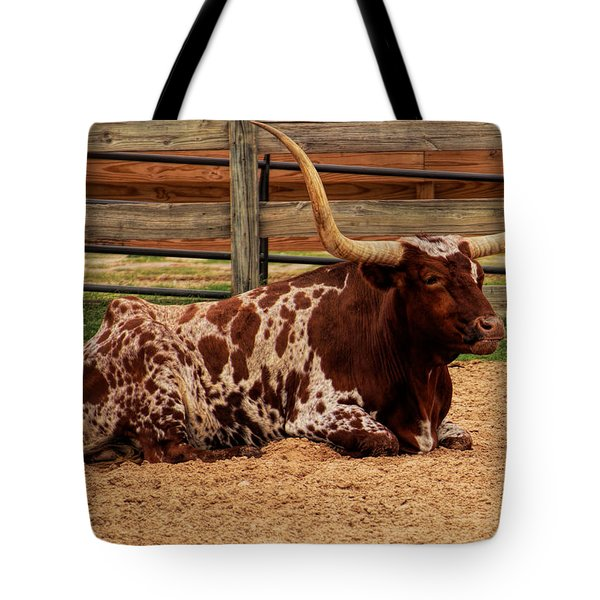 Red And White Texas Longhorn Tote Bag by Jonathan Davison