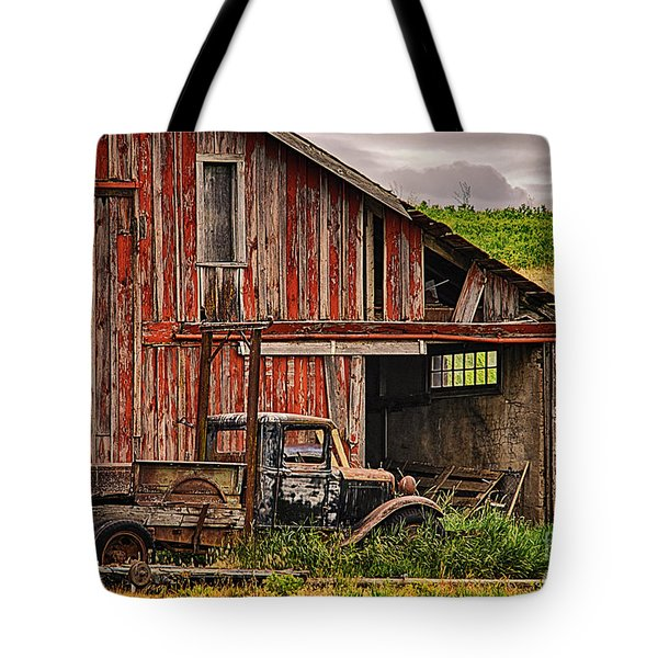 Red Barn And Truck In The Palouse Tote Bag