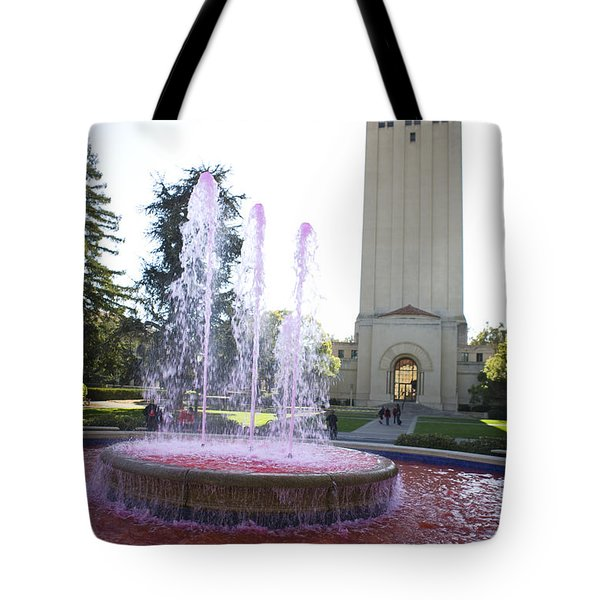 Red Fountain And Hoover Tower Stanford University Tote Bag