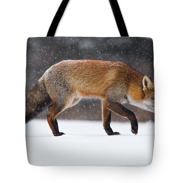 Red Fox Trotting Through A Snowshower Tote Bag