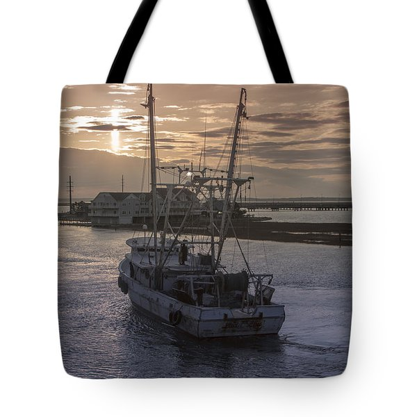 Red Sky At Night Tote Bag by Photographic Arts And Design Studio