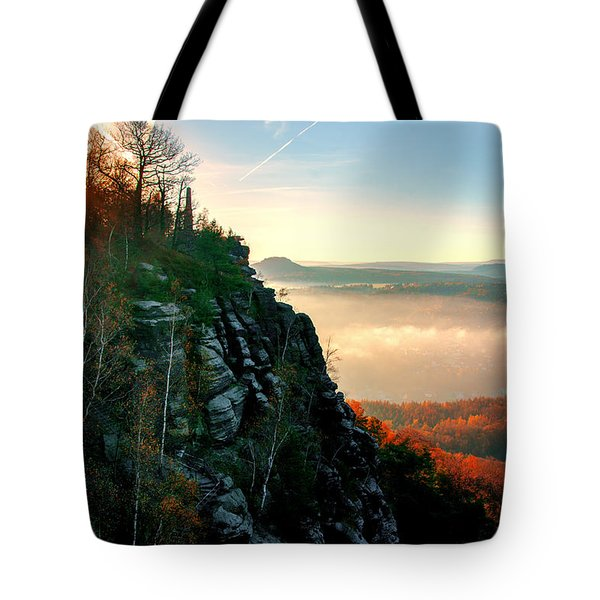 Red Sun Rays On The Lilienstein Tote Bag