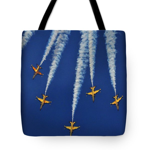 Tote Bag featuring the photograph Republic Of Korea Air Force Black Eagles by Science Source