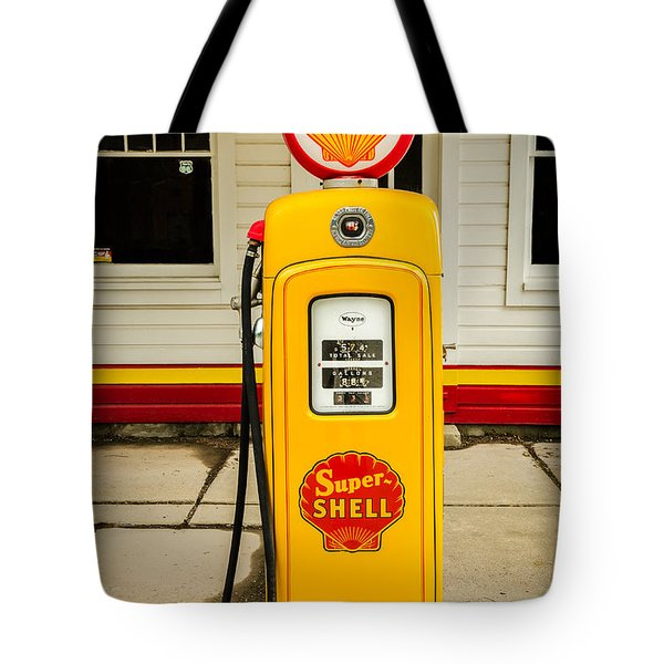 Restored Shell Pump On Route 66 Tote Bag