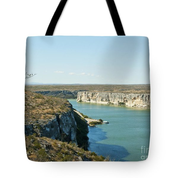 Tote Bag featuring the photograph Rio Grande by Erika Weber